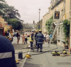 Fire at the Teddybear museum in Broadway