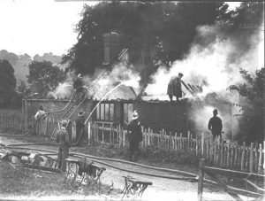 Fire at Kites Nest Lodge Broadway 1939